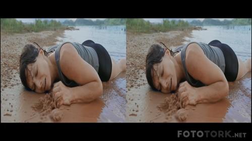 Yercekimi---Gravity-2013-3D-1080p-BluRay-Half-SBS-Dual-TR-EN-TORK.mkv_snapshot_01.22.30.jpg