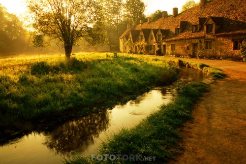Morning-Mist-Arlington-Row-Bibury-Gloucestershire-England.jpg