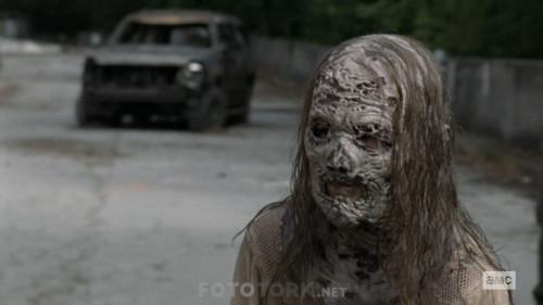 The-Walking-Dead-S10E02-1080p-WEB-DL-H264-TBS.mkv_snapshot_08.13.107.jpg