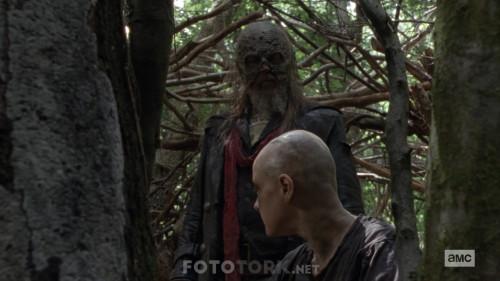 The-Walking-Dead-S10E02-1080p-WEB-DL-H264-TBS.mkv_snapshot_14.41.670.jpg