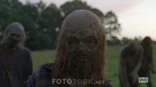 The-Walking-Dead-S10E02-720p-WEB-DL-H264-TBS.mkv_snapshot_12.25.309.jpg