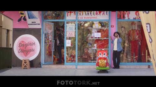 Bir-Yalnizlik-Sarkisi-2019-1080p-WEB-DL-SanSurSuz-TORK.mkv_snapshot_00.05.50.795.jpg