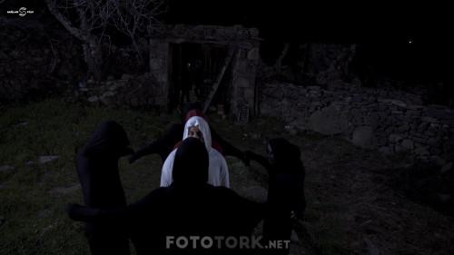 Ecinni---Tilsimli-Mezar-2019-1080p-WEB-DL-SanSurSuz-TORK.mkv_snapshot_01.01.20.380.jpg