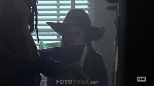The-Walking-Dead-S10E08-1080p-WEB-DL-H264-XLF.mkv_snapshot_17.19.512.jpg