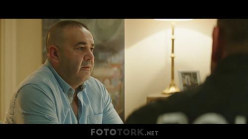 Safak-Sezer---Yalan-Dolan-2019-WEB-DL-1080p.mkv_snapshot_00.13.39.888.jpg