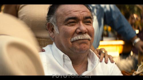 Narcos-Mexico-S02E02-Is-Isten-Gecti.mkv_snapshot_00.43.11.268.jpg