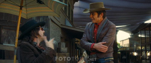 Bir.Zamanlar.Hollywoodta.OnceiUpon.a.Time.in.Hollywood.2019.BluRay.1080p.x264.AC3.DUAL.TR-ENG.TORK.mkv_snapshot_01.03.01.324.jpg