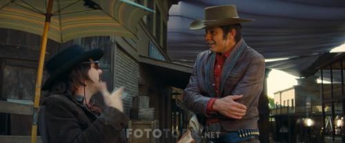 Bir.Zamanlar.Hollywoodta.OnceiUpon.a.Time.in.Hollywood.2019.BluRay.1080p.x264.AC3.DUAL.TR-ENG.TORK.mkv_snapshot_01.03.01.324.jpg