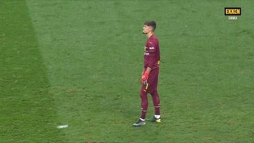 Sampiyonlar-Ligi-Besiktas-1-2-Borussia-Dortmund-15.09.21-Full-Mac-EXXEN-1080p-WEBRip-AAC-TR-TORK.mkv_snapshot_00.02.47.465.jpg