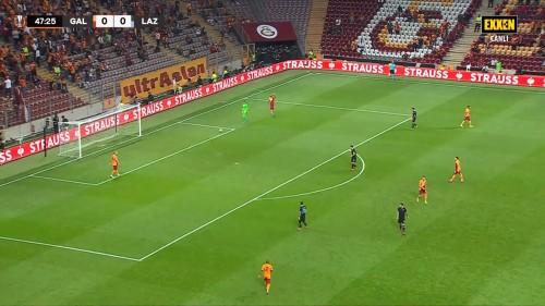 Galatasaray-1-0-Lazio-UEFA-Avrupa-Ligi-16.09.21-Full-Mac-EXXEN-1080p-WEBRip-AAC-TR-TORK.mkv_snapshot_00.53.22.391.jpg