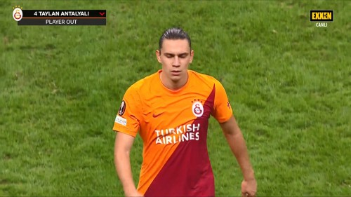 Galatasaray-1-0-Lazio-UEFA-Avrupa-Ligi-16.09.21-Full-Mac-EXXEN-1080p-WEBRip-AAC-TR-TORK.mkv_snapshot_01.23.32.442.jpg